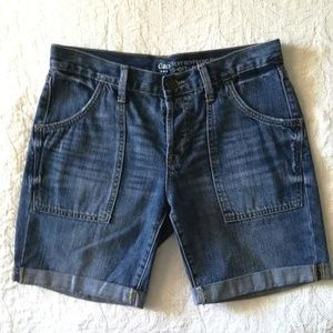 GAP Sexy Boyfriend Short, denim jean shorts size 2